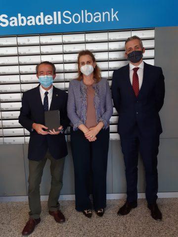 El Colegio firma un convenio con el Banco Sabadell